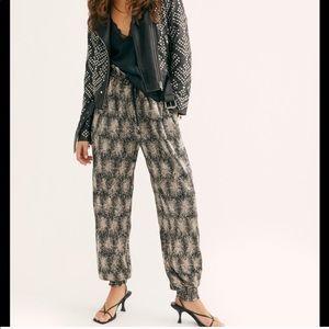 - Antik Barik metálic pants